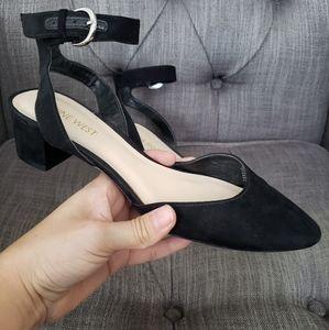 🎀Nine West Pointed Toe Ankle Strap Flats Black